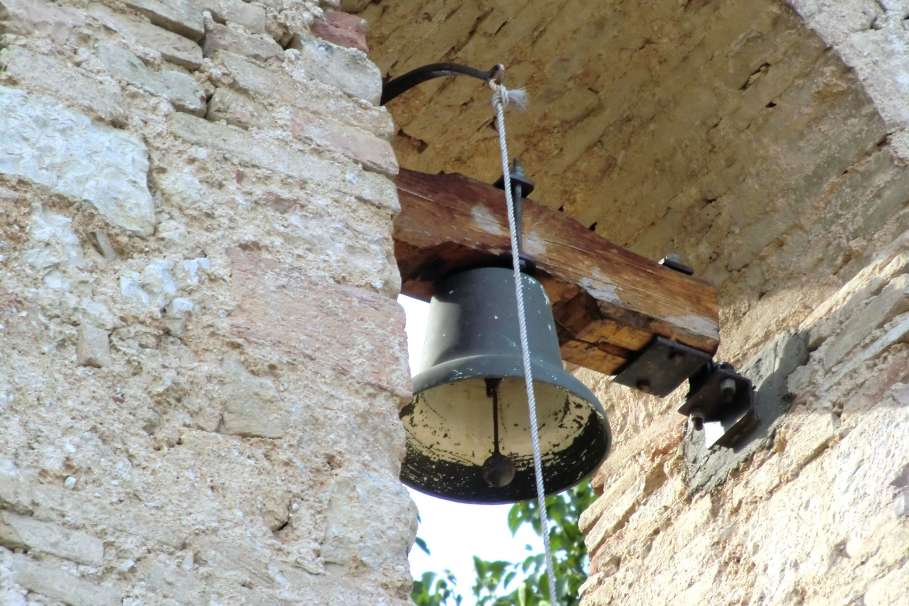 Chiesa dell'Addolorata - campana - Grotti
