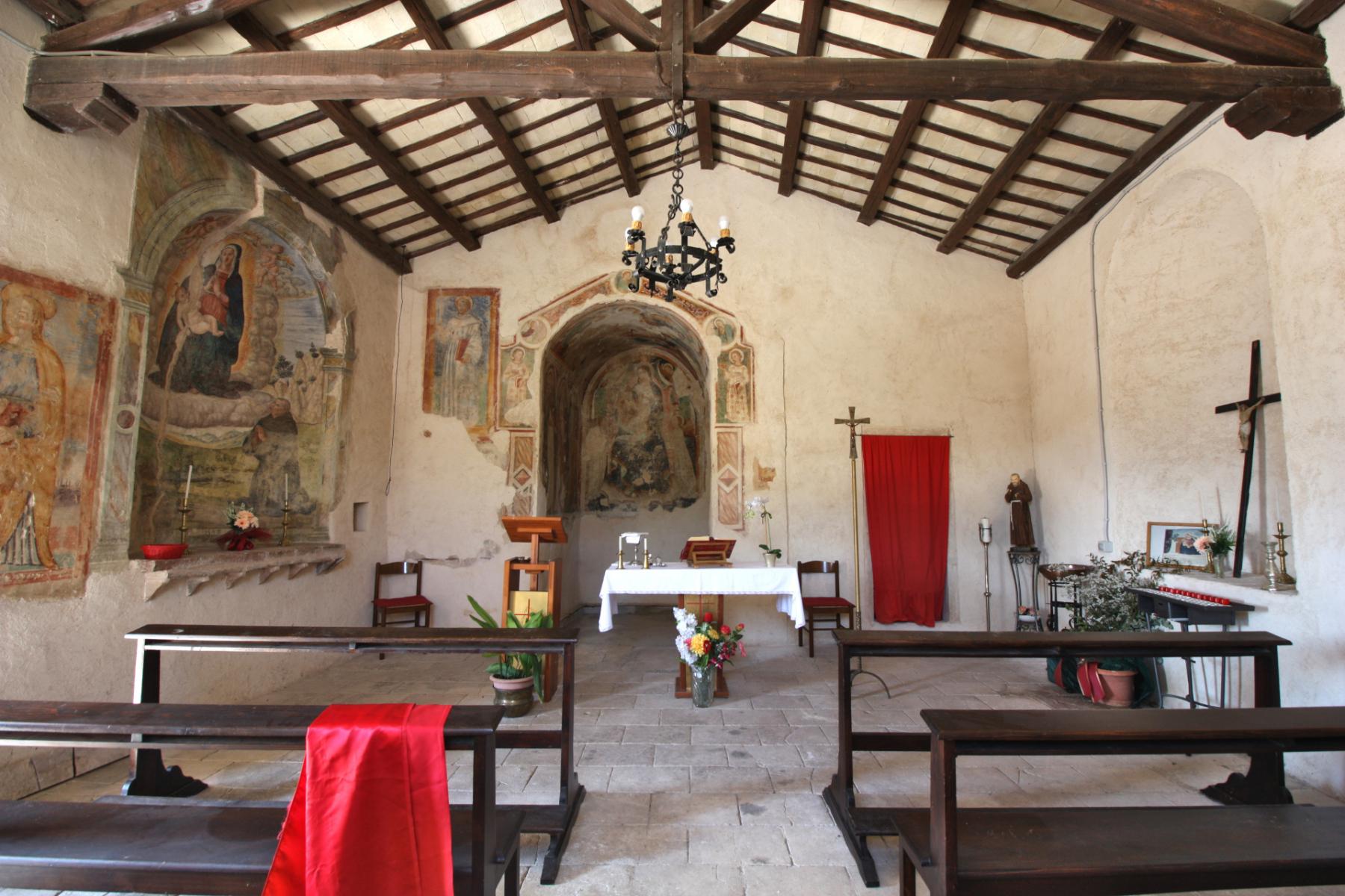 Chiesa dell'Addolorata - interno - Grotti
