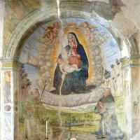Chiesa dell'Addolorata - nicchia con Madonna con Bambino e santi - Grotti