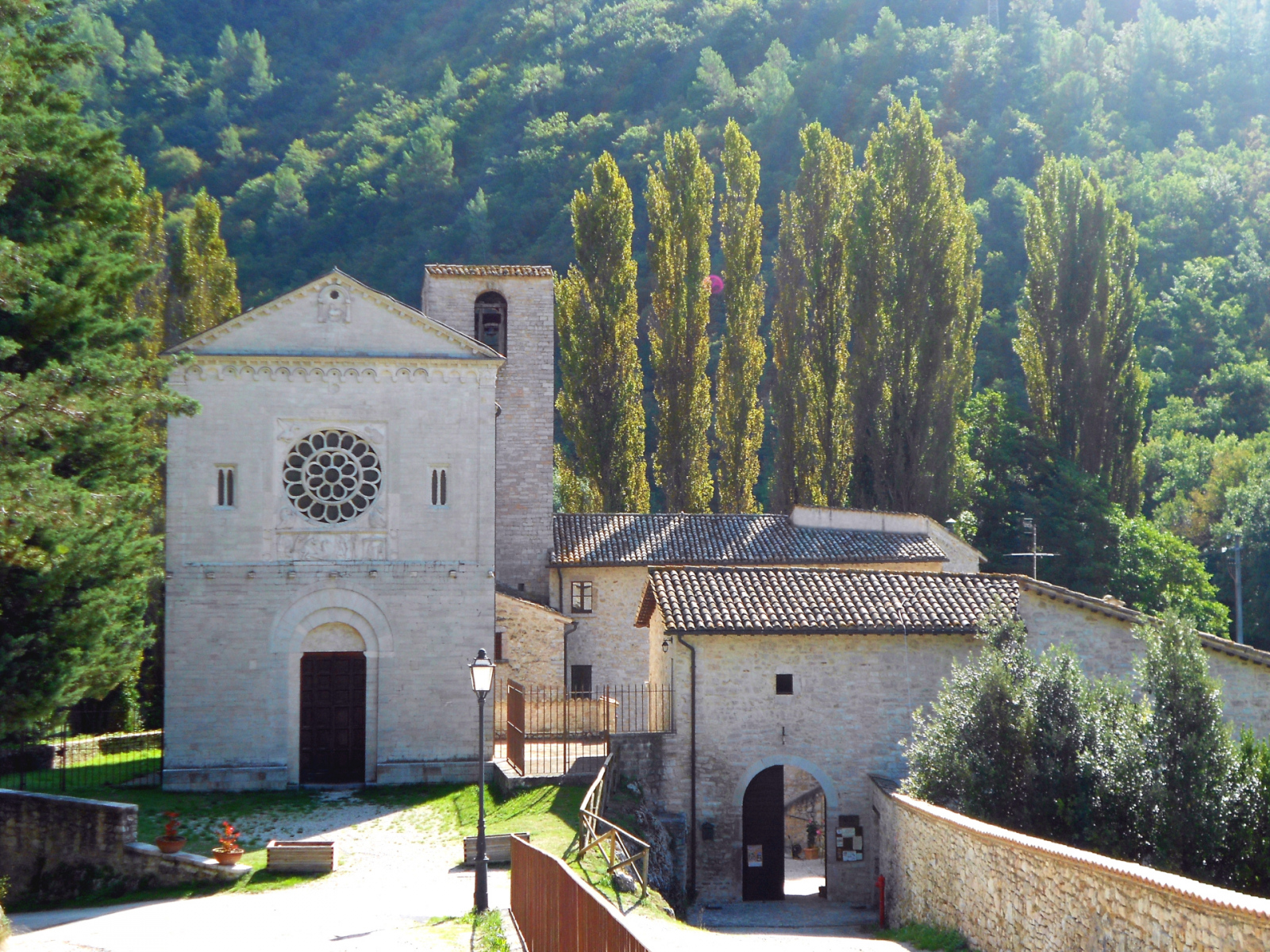 Chiesa di San Felice di Narco - esterno - Castel San Felice