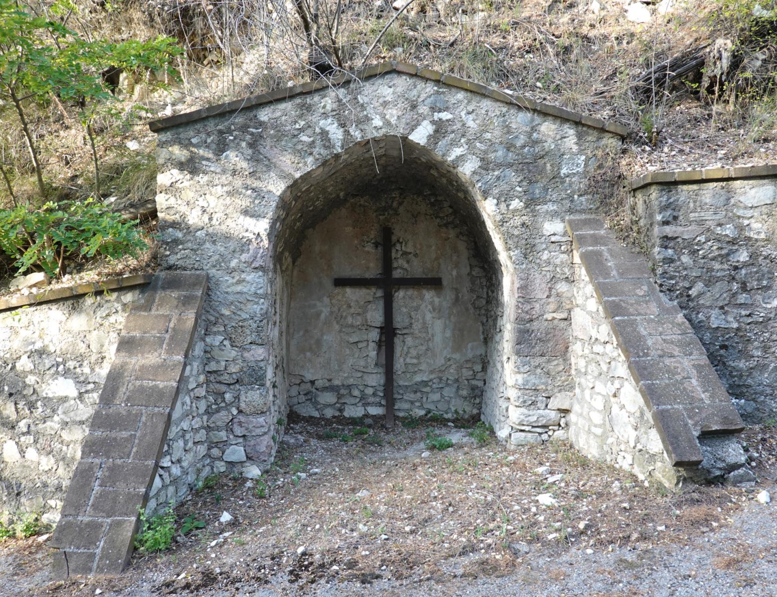 Edicola della Santa Croce - esterno - Caso