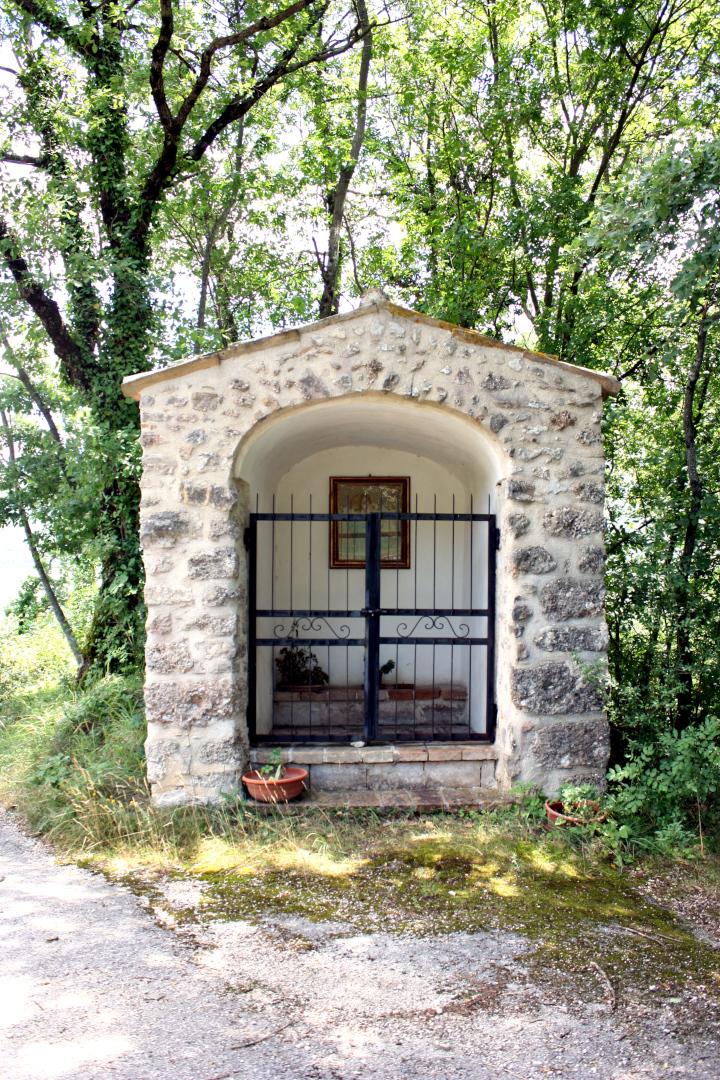 Edicola della Madonnuccia - esterno - Grotti