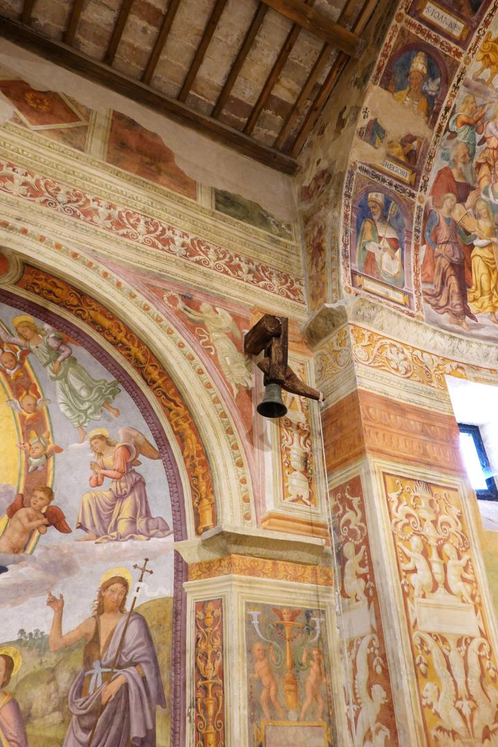 Particolare con campana - Chiesa di San Michele Arcangelo - Gavelli