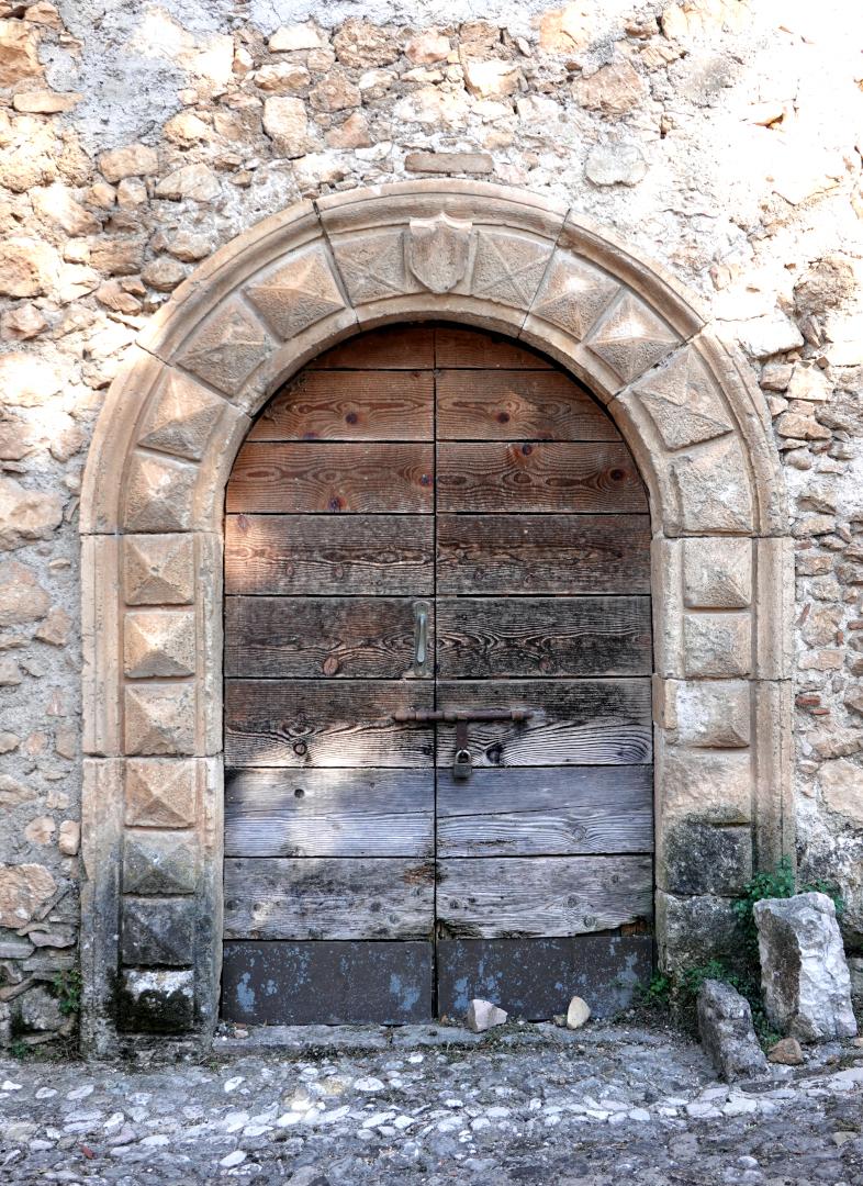 Chiesa di Santa Maria delle Grazie - portale antico ospedale - Sant'Anatolia di Narco